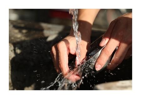 ruční mytí nádobí