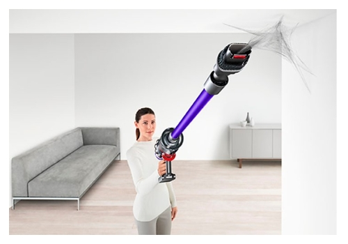 Jak vysát pavučiny tyčovým vysavačem
